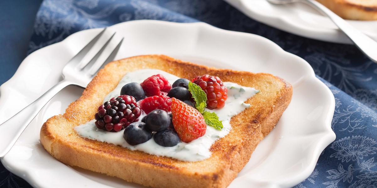 Fancy-toast-Grego-Frutas-Vermelhas