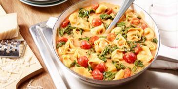 Tortelloni mit Spinat-Tomaten-Sauce
