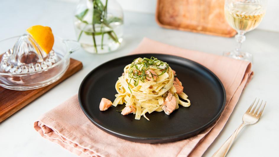 Pasta mit Lachs-Sahne-Sauce