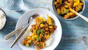 Basisrecept: MAGGI Dagschotel Broccoli-zoetzuur met paprika en gehakt