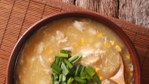 Piščančja juha s koruzo