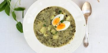 Zupa szczawiowa ze świeżego szczawiu i z jajkami