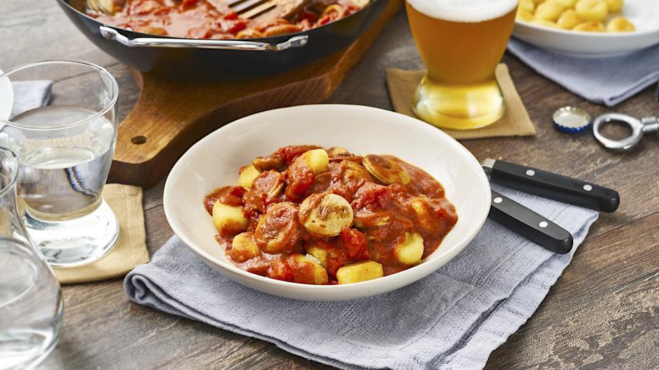Pikante Bratwurst-Bolognese mit Gnocchi
