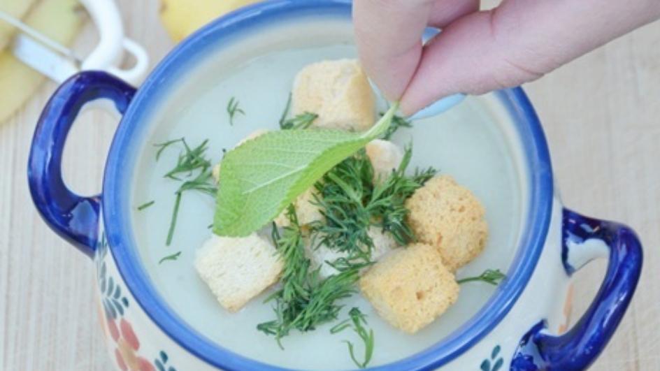 Kremowa kartoflanka z młodych ziemniaków z topinamburem