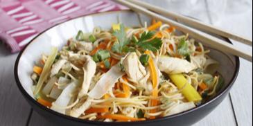 Noodles cu pui in stil mongolez