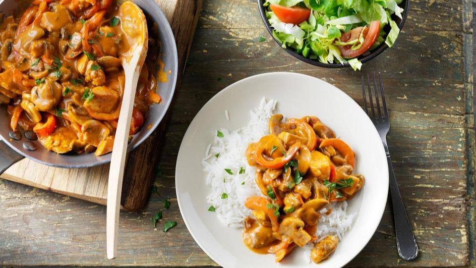 Basisrecept: MAGGI Dagschotel Paprika-goulashsaus met champignons en kip