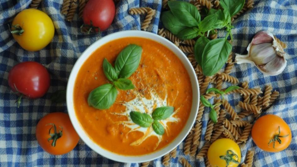 Zupa krem z kolorowych pomidorów