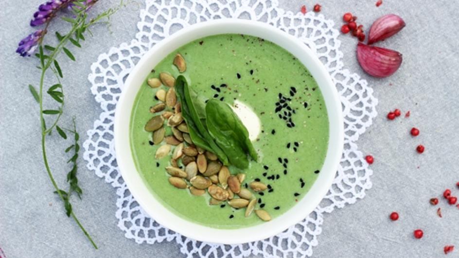 Zupa ze świeżego szpinaku z mascarpone