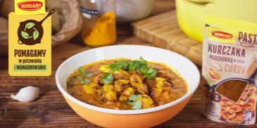 Curry z kurczakiem i smażonymi ziemniakami