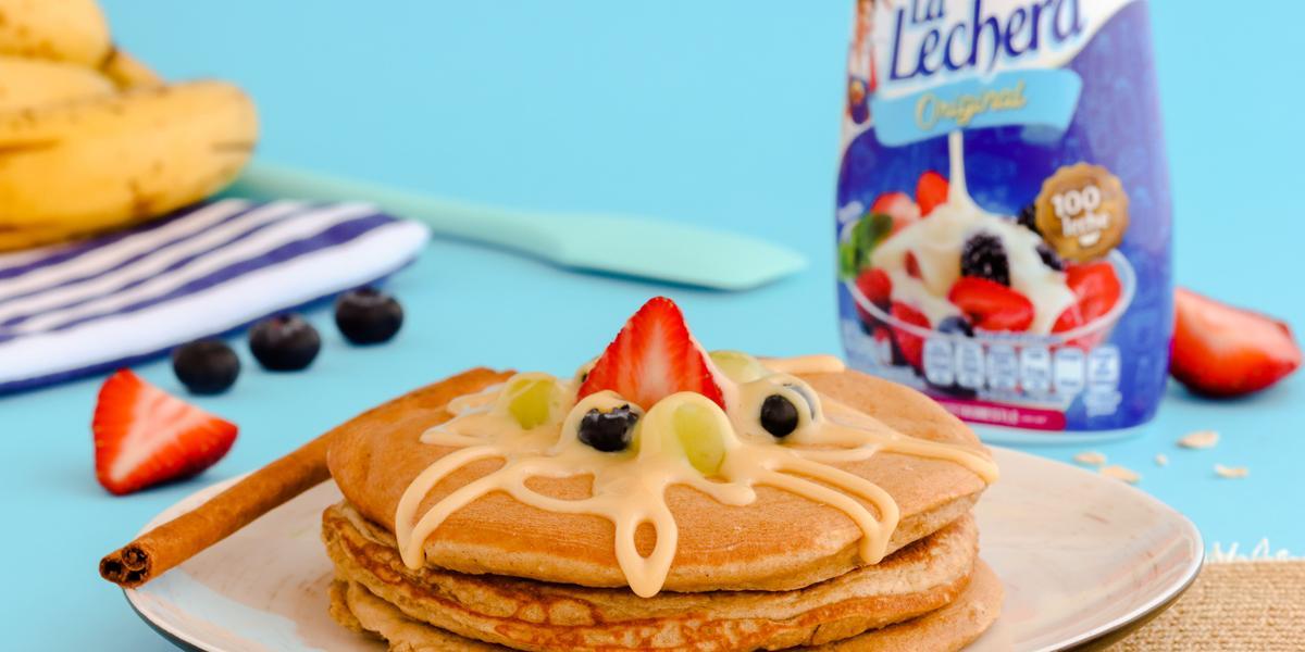 Pancake de Avena & Banana con LA LECHERA
