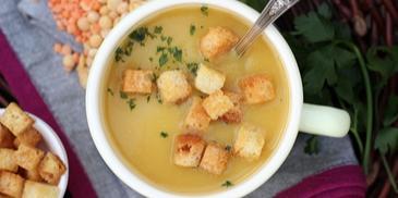 Kremowa zupa warzywna z soczewicy, grochu i wszystkiego po trochu :)