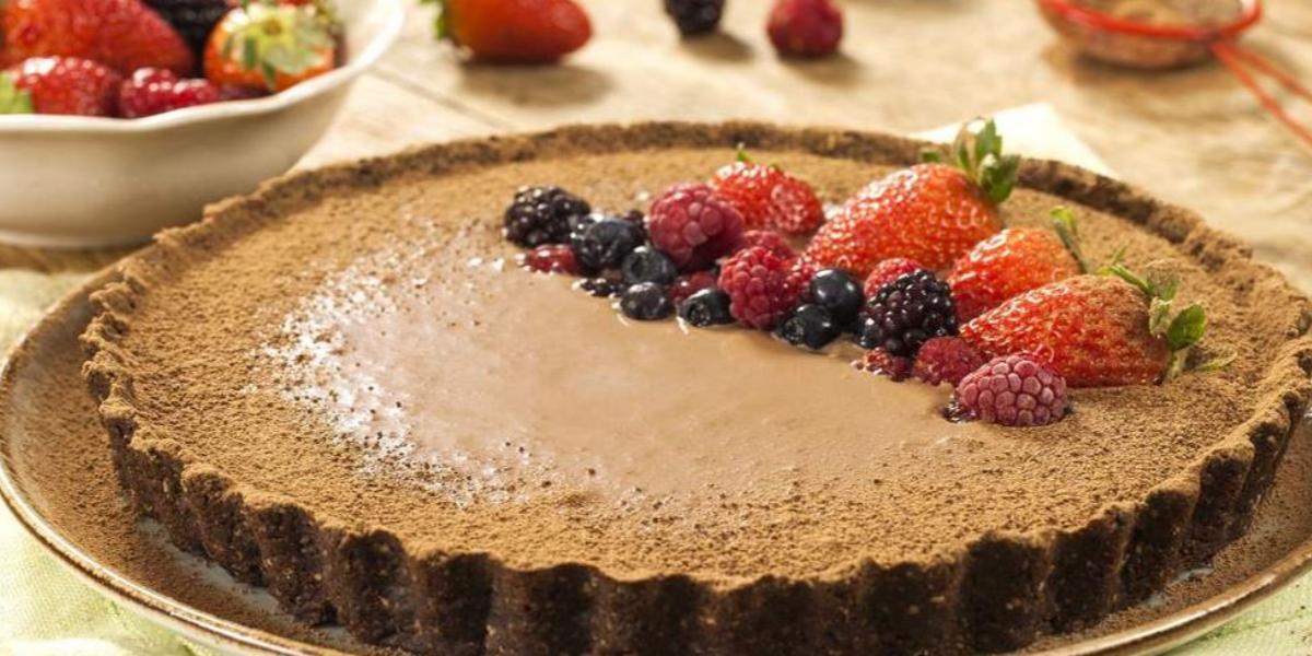 torta-biscoito-nesfit-cacau-cereais-ganache-receitas-nestle