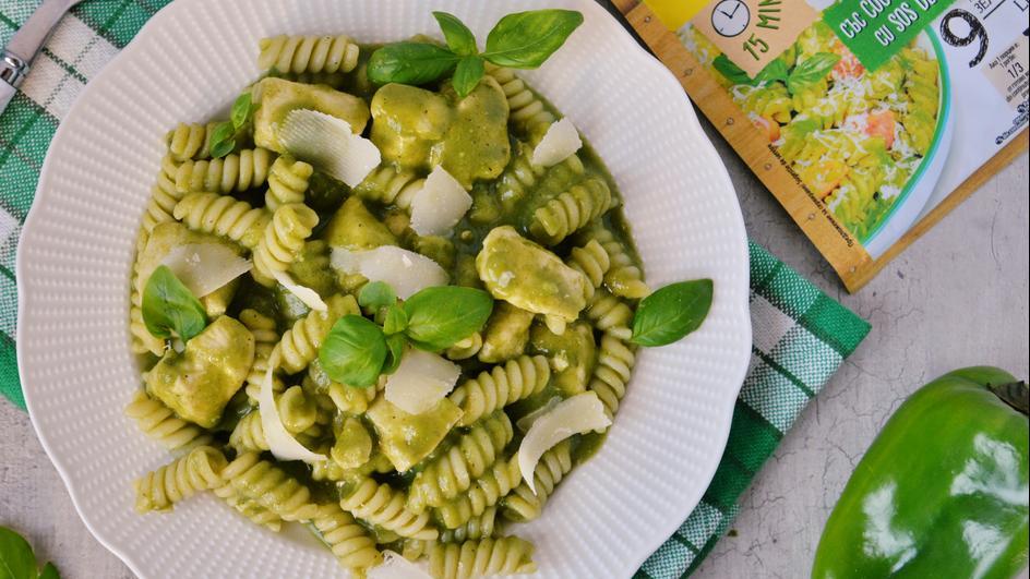 Паста със сос от зелени зеленчуци