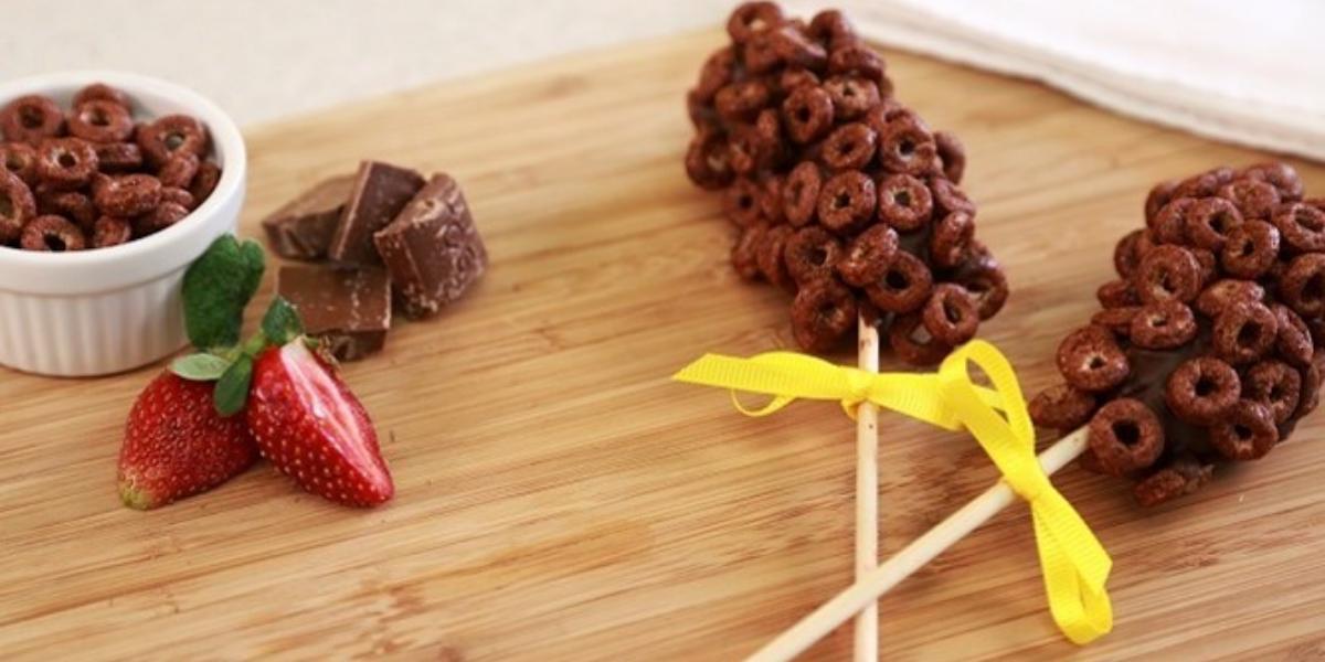 Brochetas de plátano con chocolate