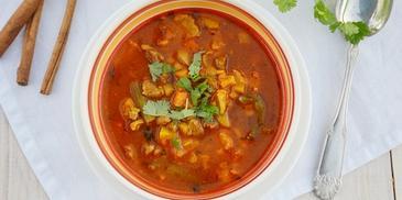 Indyjska zupa gulaszowa z jagnięciną