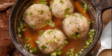 Supa de pui cu galuste si legume