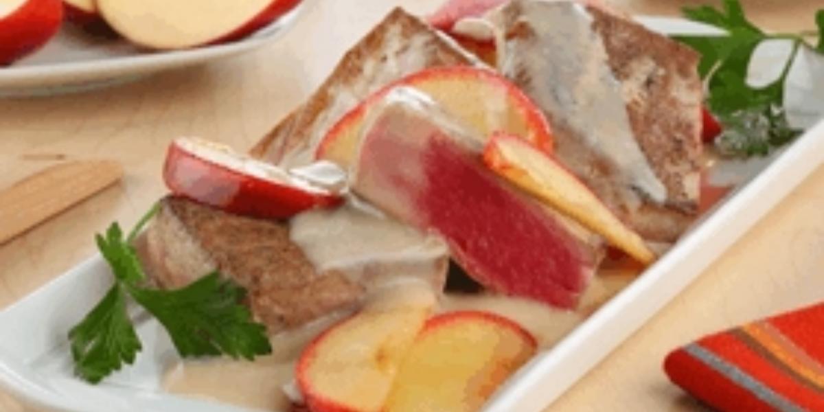 Lomos de atún en salsa de manzanas