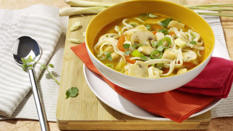 Thai-Suppe mit Hühnchen