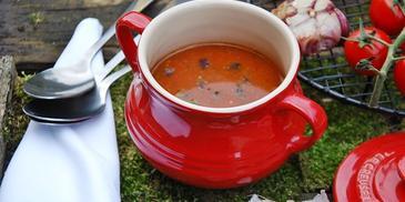 Zupa z pieczonych pomidorów z pesto bazyliowym