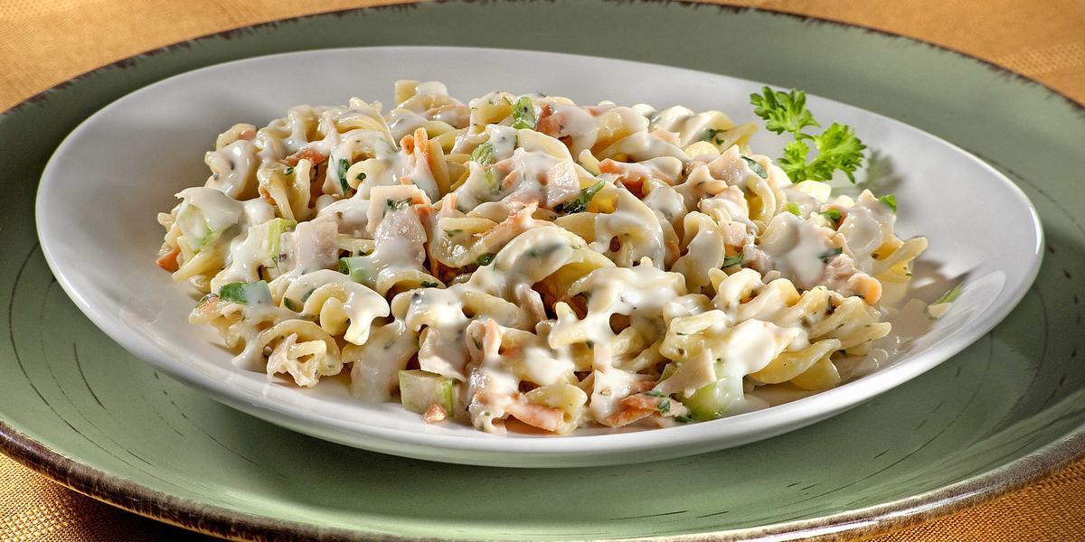 salada-cremosa-macarrao-nutren-receitas-nestle