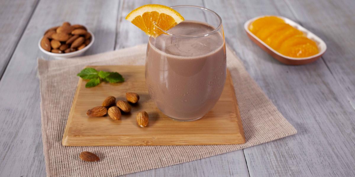 Agua de avena, naranja y chocolate