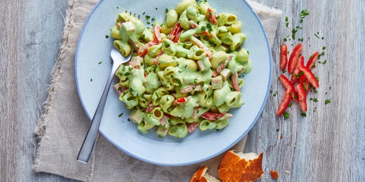 Coditos en salsa de cilantro