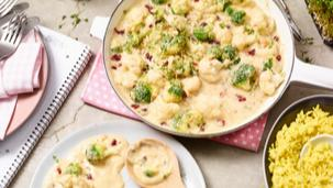 Curry-Reis mit Brokkoli und Blumenkohl