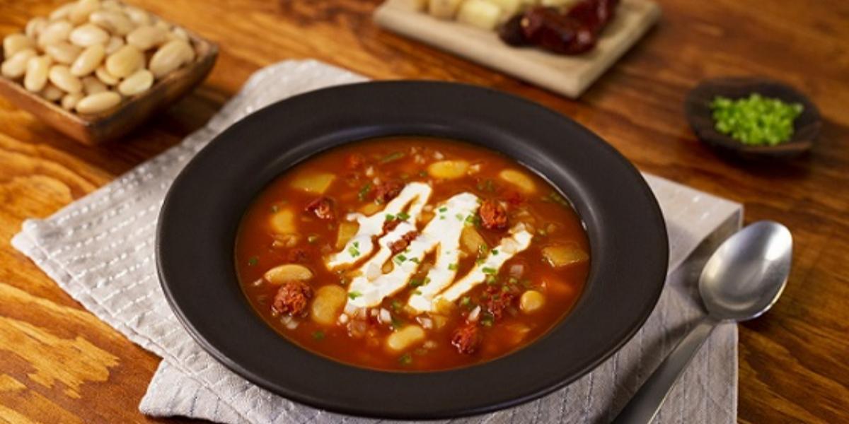 Sopa de alubias con chorizo