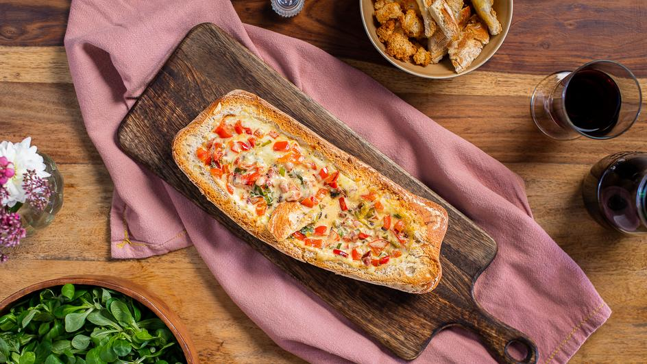Gefülltes Raclette-Brot