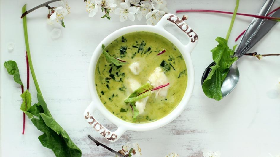 Zupa szpinakowa ze świeżego szpinaku z botwinką i gorgonzolą