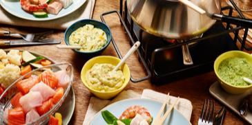 Fisch- und Gemüse-Fondue mit Dips