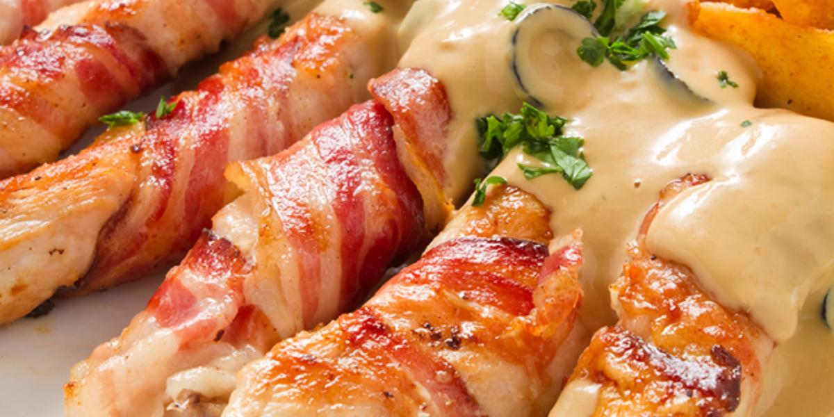 Pechuga a la plancha en salsa cremosa de perejil