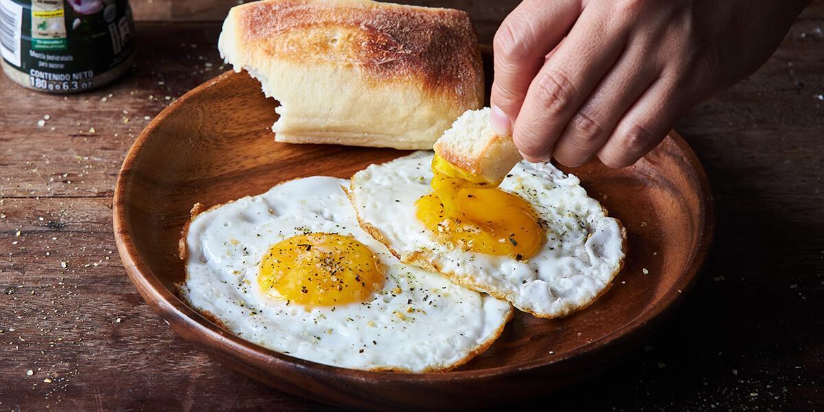 Huevos fritos con Pancito