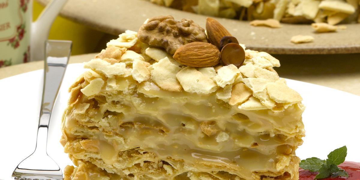 Torta Artesanal de Hojarasca con Manjar Casero