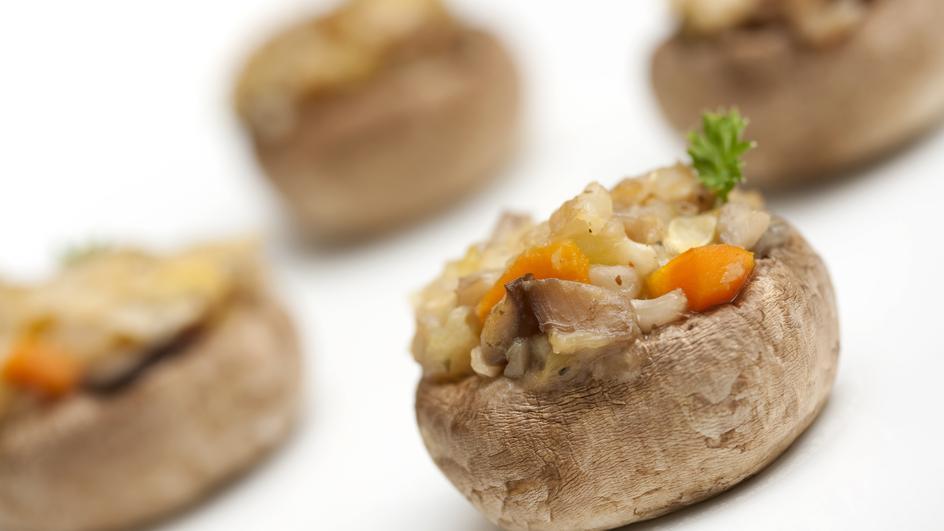 Ciuperci umplute cu orez
