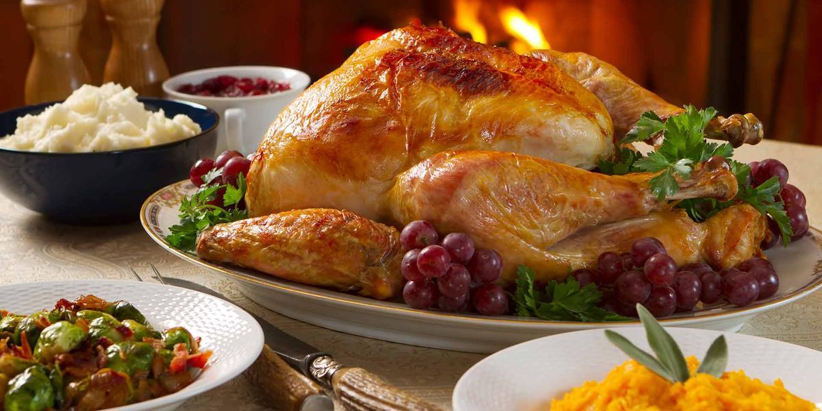 Pollo relleno con salsa de piña