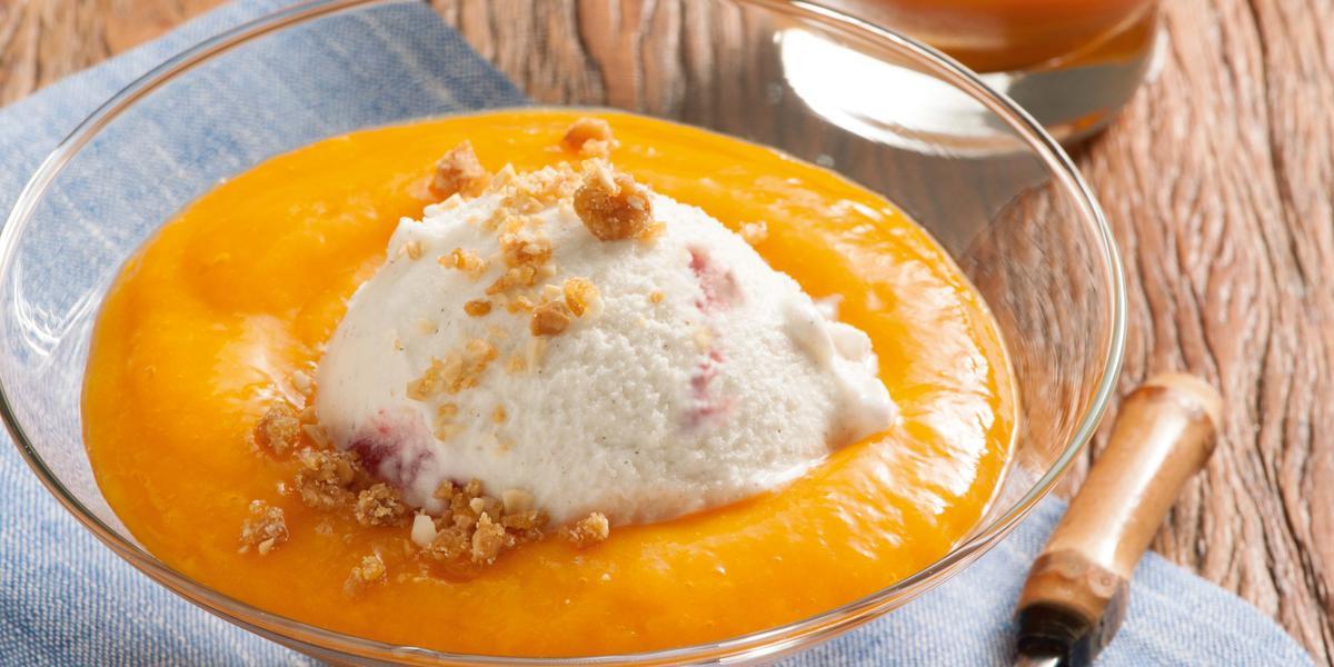 creme-frutas-gelato-panna-cota-crocante-amendoim-receitas-nestle