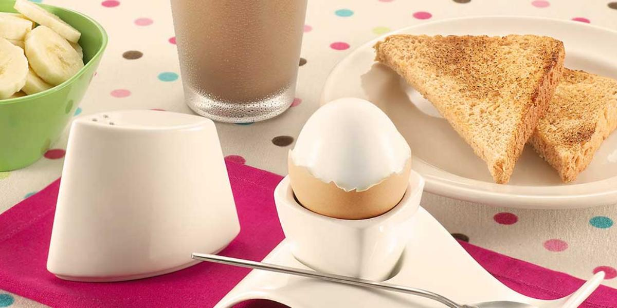 Huevos guffi cabeza dura con banano picado