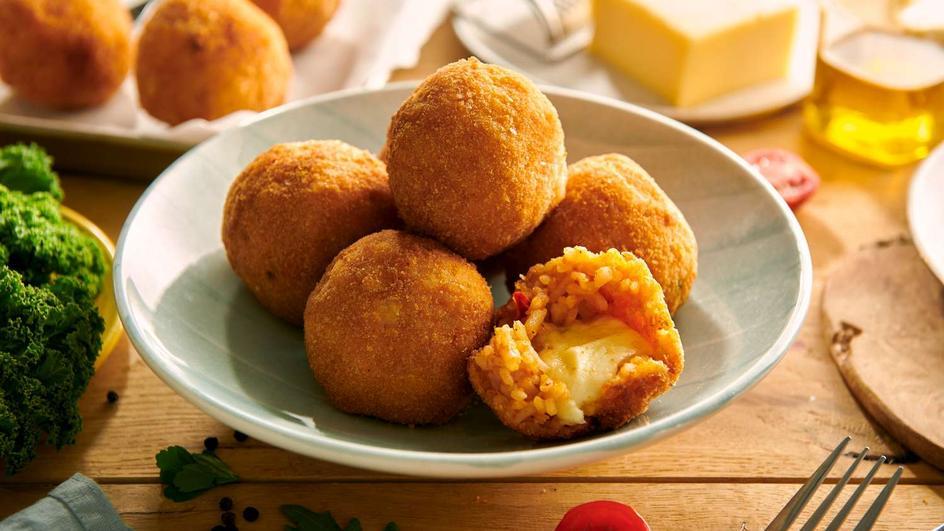 Sycylijskie arancini z mozzarellą