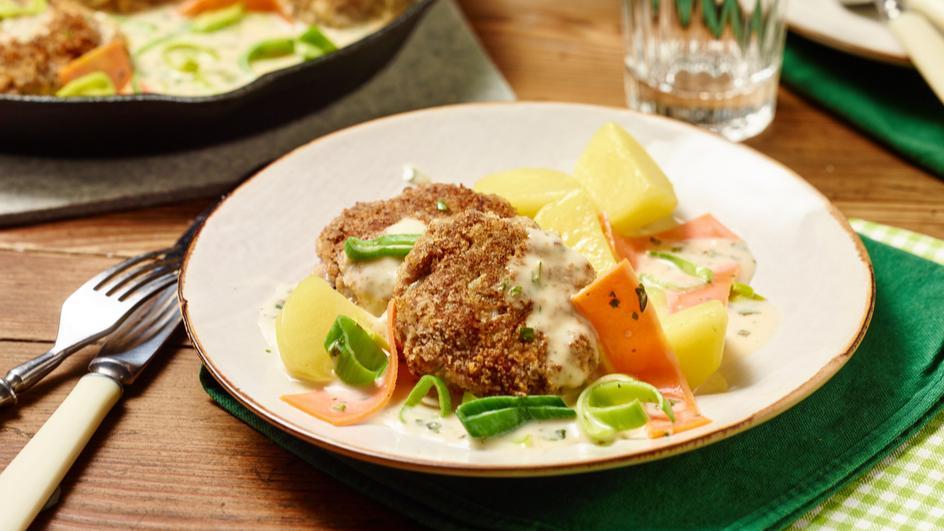 Frikadellen mit Gemüse-Kräuter-Sauce