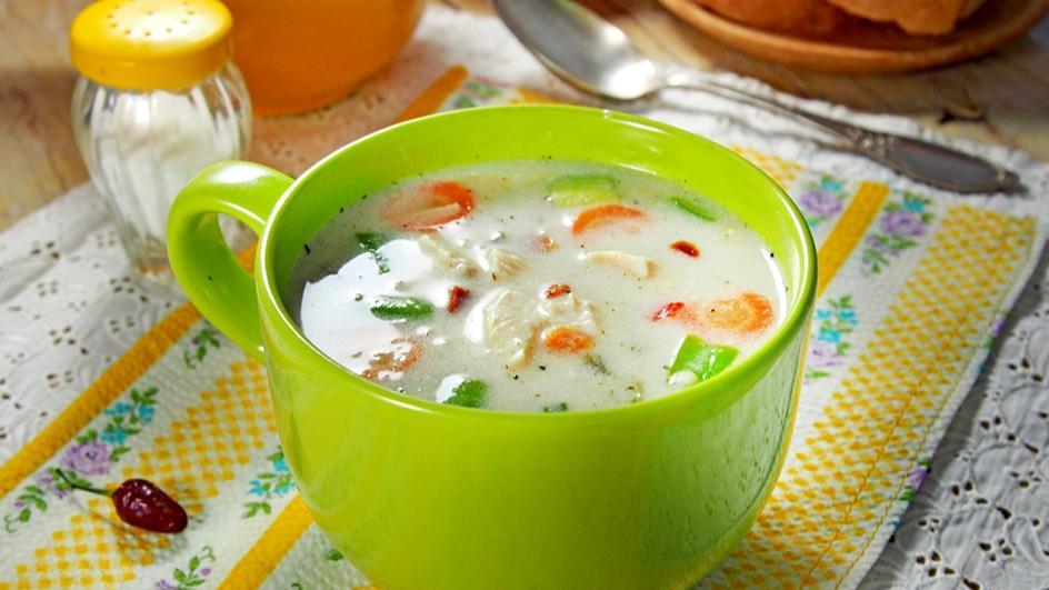 Гъста селска пилешка супа със застройка