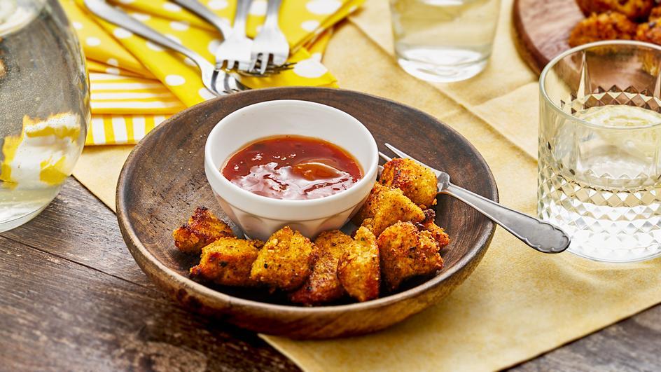 Chicken Nuggets mit Aprikosen-Salsa-Dip