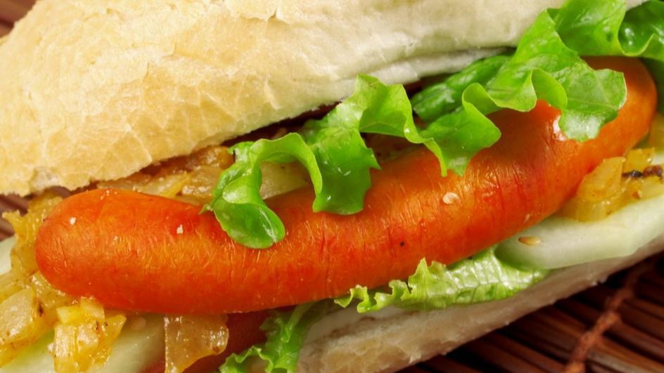 Сандвич с лук и вурстче
