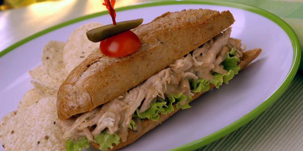 Sandwich de Pollo con Mermelada de Tamarindo