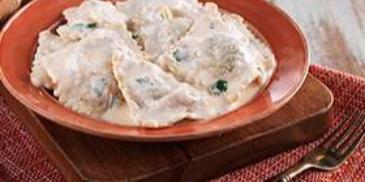 Spinach Ravioli with Yogurt Sauce